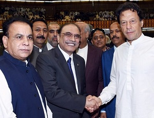Newly elected MNAs take oath in inaugural session of 15th National Assembly