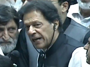After NA ruckus, Imran offers Shehbaz, Fazl 'all facilities' for D-Chowk protest