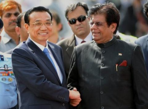 Chinese premier arrives in India for talks